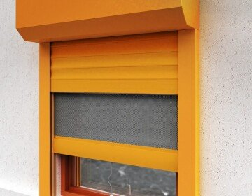 Anti-burglar roller shutters