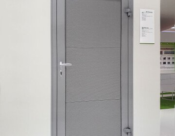 Doors lateral